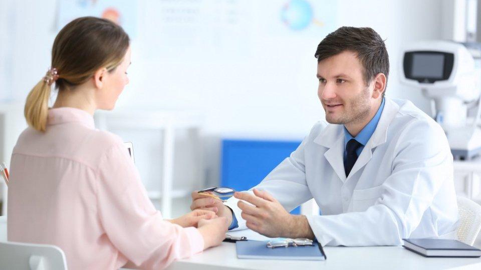 Болезни, стресс и прием лекарств как причина задержки менструации